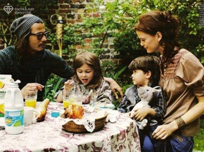 Джонни Депп с семьей