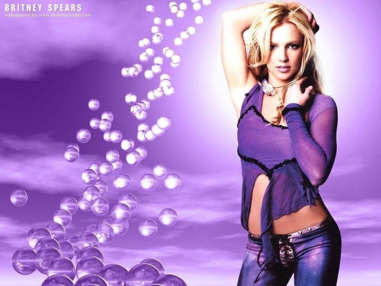 Бритни Спирс в рекламе собственной парфюмерной линии