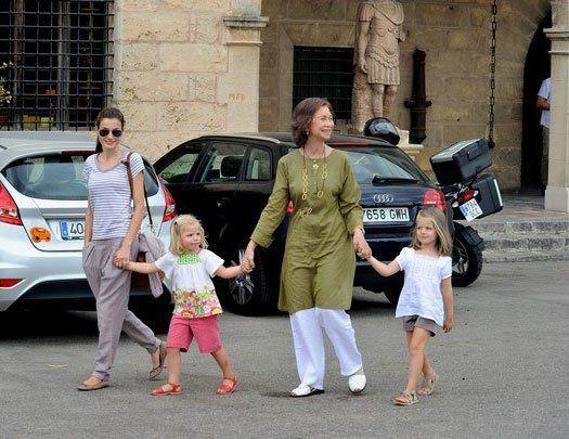 Испанская королевская семья - отпуск на Майорке