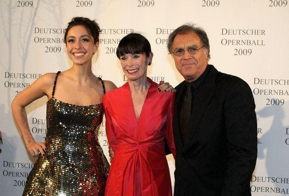 Джеральдин Чаплин с мужем Патрицио Кастилла и внучкой