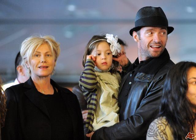Хью Джекман с Деборой - Ли Фернесс и дочерью