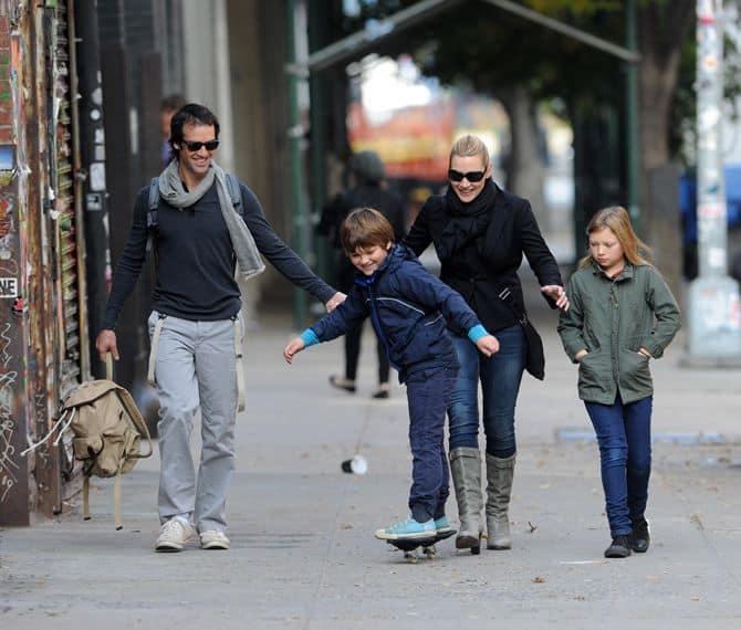 Кейт Уинслет с мужем и детьми
