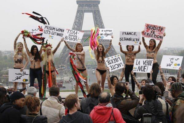 На счету Femen  есть и такие подвиги