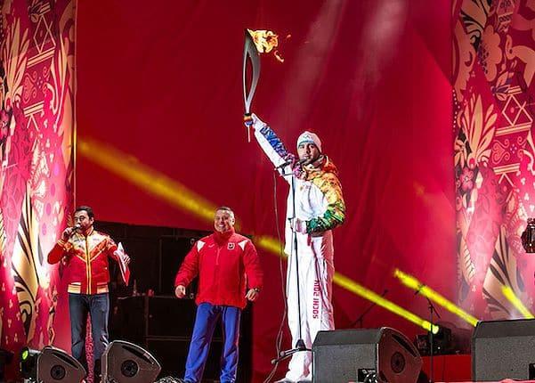 Иван Ургант в эстафете Олимпийский огонь
