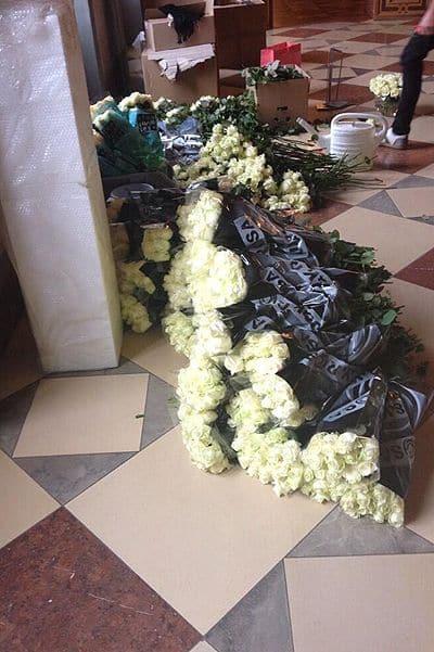 Восемь тысяч белых роз для Виктории