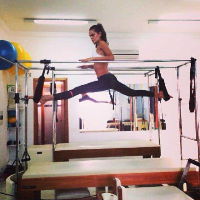 Ирина Шейк во время занятий фитнесом