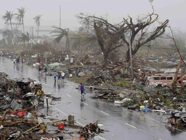 На Филиппинах после разрушительного тайфуна...