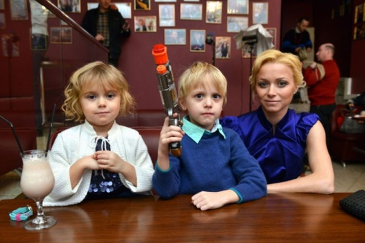 Семья и дети Елены Бережной фото