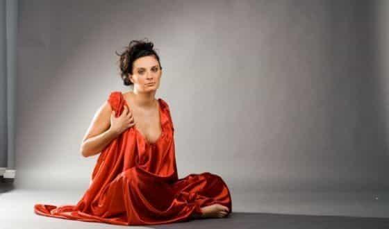 Фото Елены Ваенги в журнале Максим