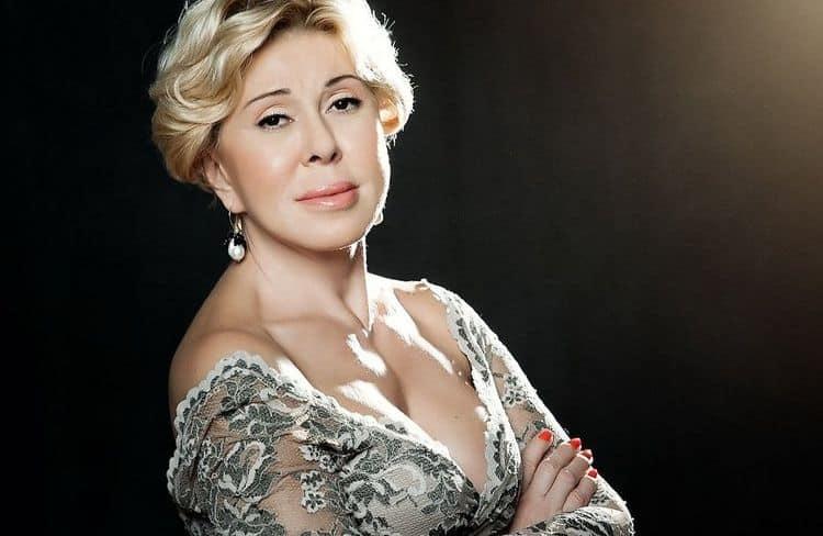 Фото Любови Успенской (певица) в журнале Максим