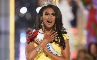 Мисс Америка 2014 в благотворительном турне в Индии, Шри-Ланке и Камбодже