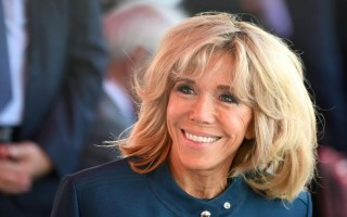 Жена президента Франции Макрона: фото, сколько ей лет