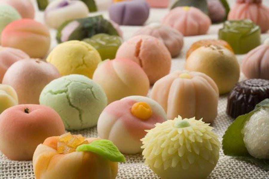 Скарлетт Йоханссон обожает японские сладости и делает на этом деньги