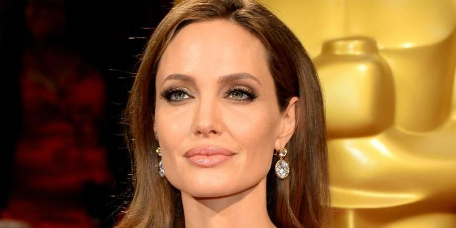 Анджелина Джоли: биография, личная жизнь, семья, муж, дети — фото