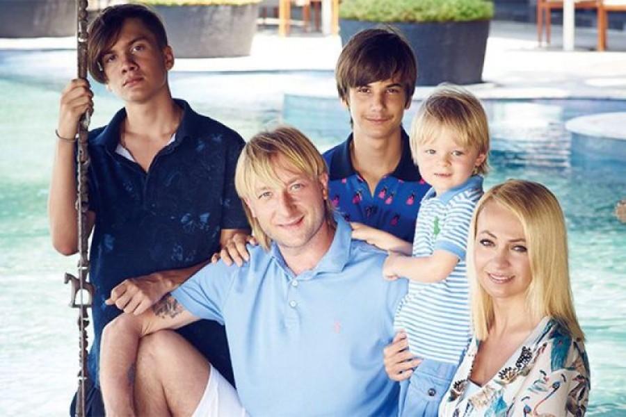 С кем сейчас живут дети Яны Рудковской и Батурина
