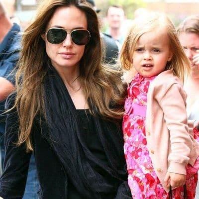 Анджелина Джоли с дочерью Вивьен Маршелин