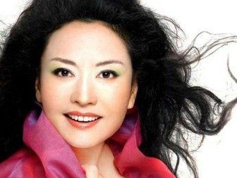 Певица Пэн Лиюань