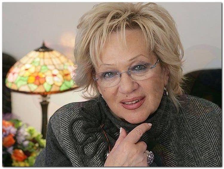 Нюша Шурочкина: биография, личная жизнь, семья, муж, дети — фото