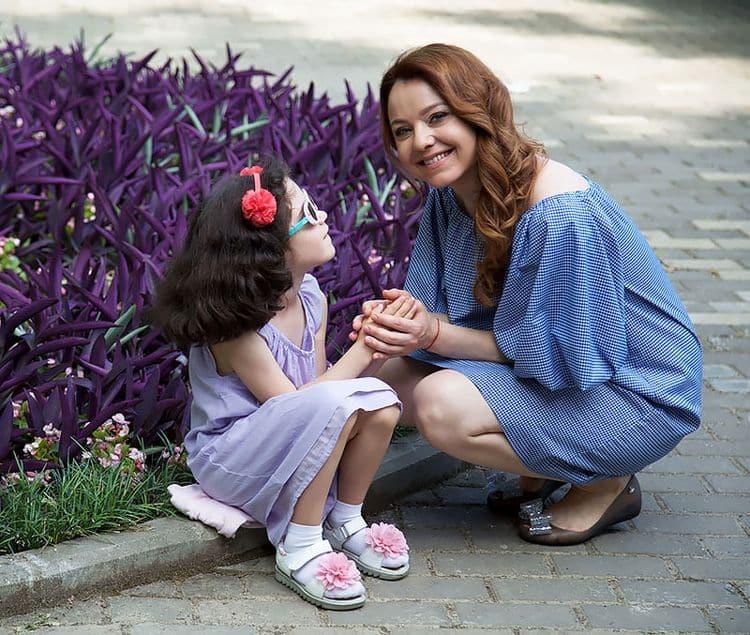 Дочь Валентины Рубцовой – Софья Мартиросян фото