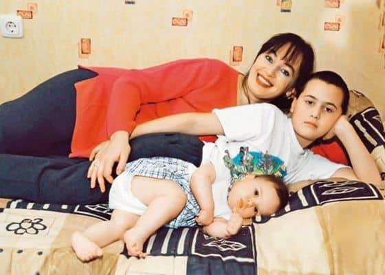 Дети Ларисы Гузеевой фото