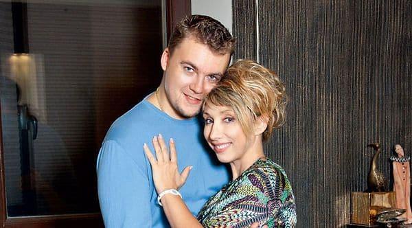 Гражданский муж Елены Воробей – Александр Калищук фото