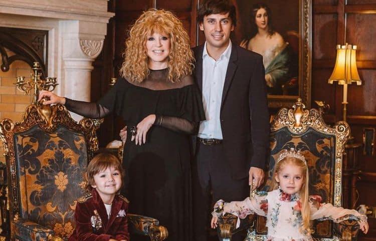 Сколько лет детям Пугачевой и Галкина фото