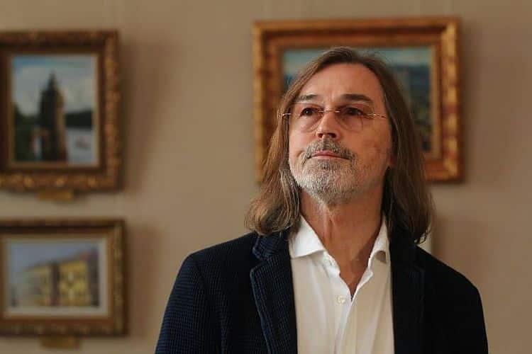 Биография и личная жизнь Никаса Сафронова фото