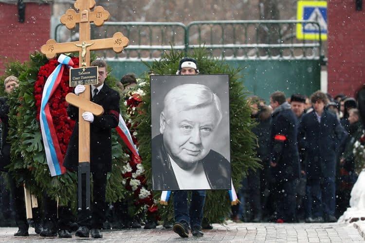 Причина смерти и похороны Олега Табакова фото