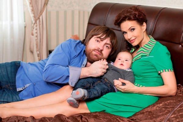 Семья Эвелины Бледанс фото