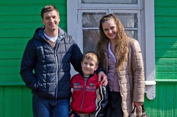 Семья и дети Александра Устюгова фото