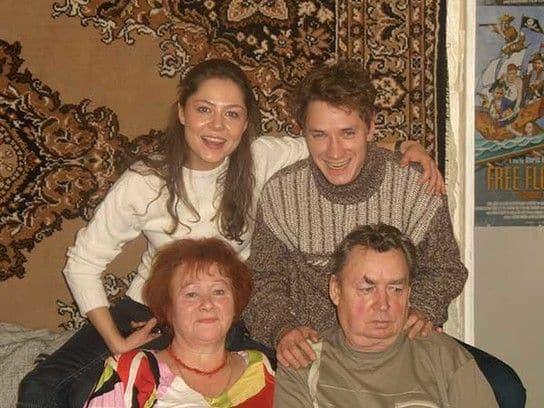 Семья и дети Александра Яценко фото
