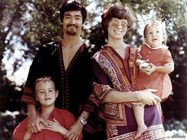 Семья и дети Брюса Ли фото