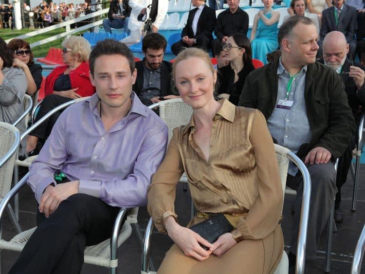 Жена Дмитрия Исаева — Оксана Рожок фото