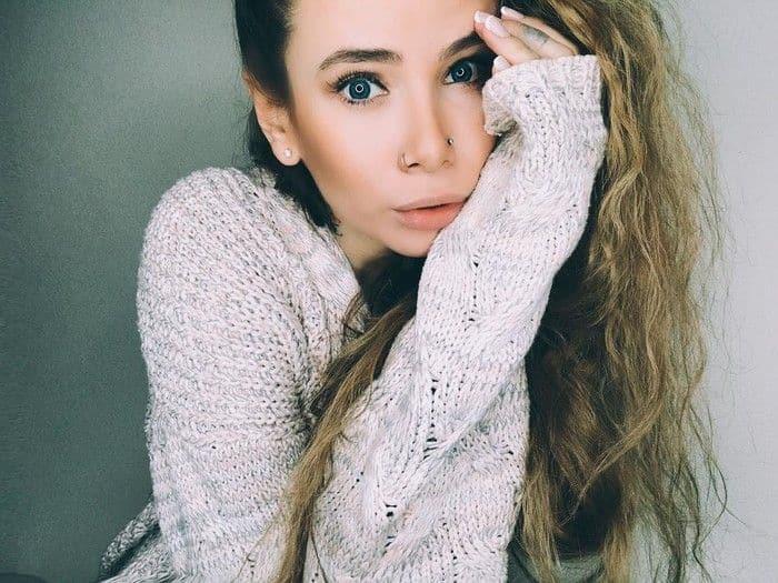 Биография и личная жизнь Айзы Анохиной (Долматова) фото