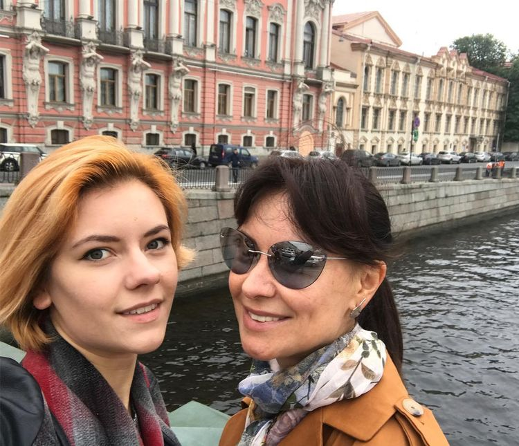 Дочь Нонны Гришаевой – Анастасия Дерова фото