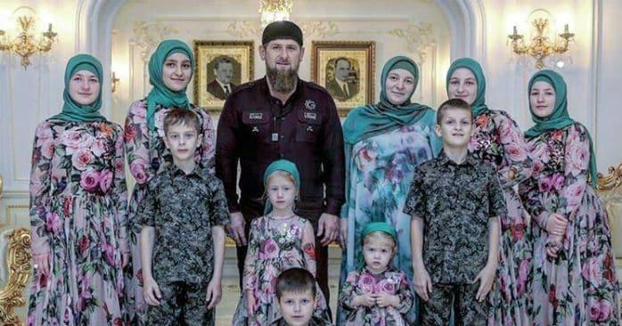 Семья и дети Рамзана Кадырова фото