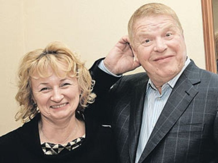 Жена Михаила Кокшенова – Наталья Лепехина фото