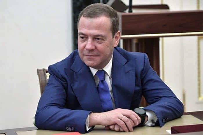 Биография и личная жизнь Дмитрия Медведева фото