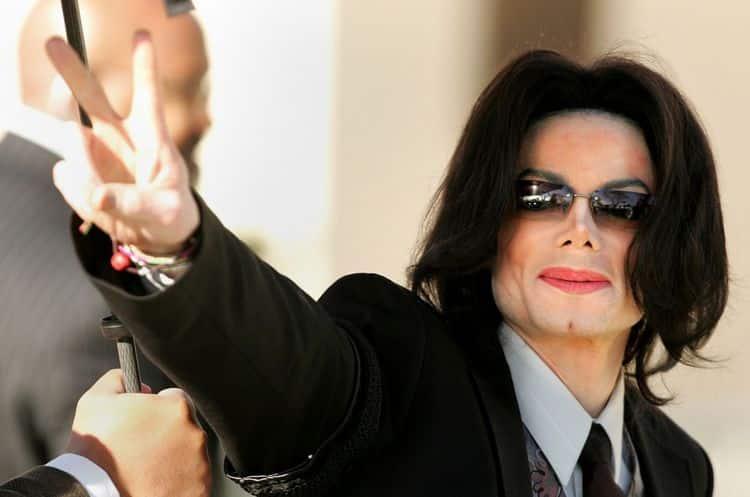Инстаграм и Википедия Майкла Джексона фото