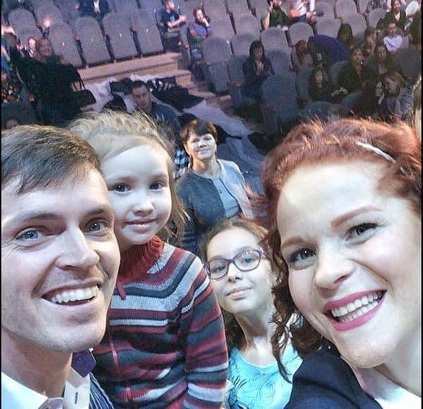 Семья и дети Арсения Попова фото