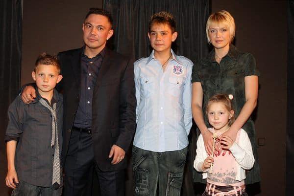 Семья и дети Кости Цзю фото