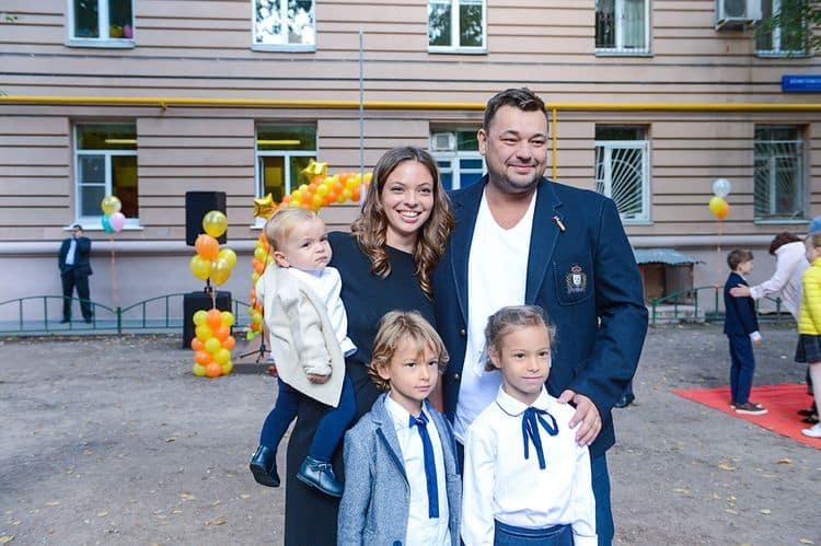 Личная жизнь Сергея Жукова и сколько у него детей фото
