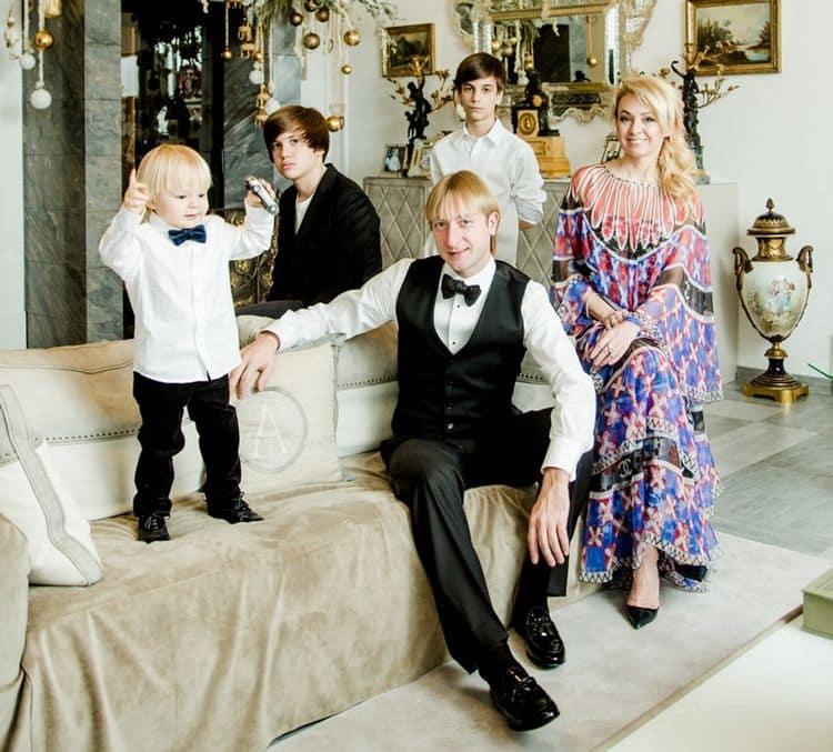 Все дети Яны Рудковской фото