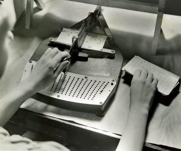 Перфокарты IBM не изобрели, но использовали фото